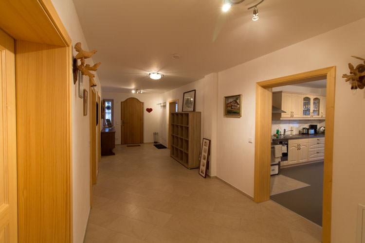 der flur ferienwohnung baumgarten 33. Black Bedroom Furniture Sets. Home Design Ideas
